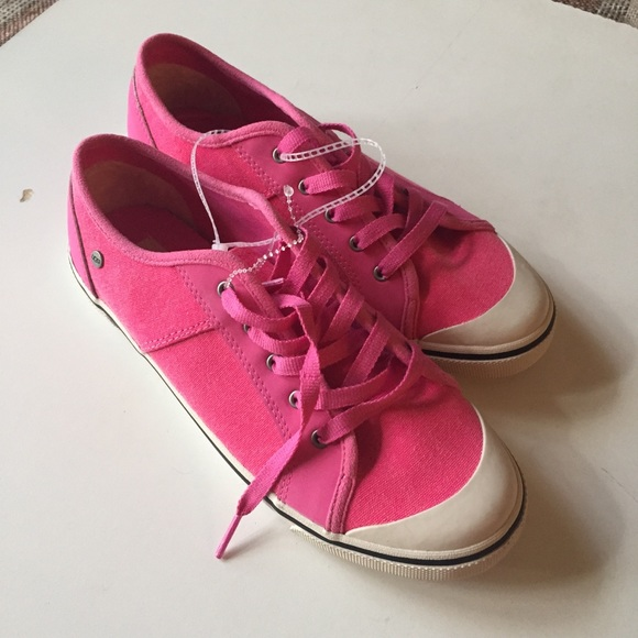 1f8b4c73dd1 Ugg Pink Canvas Tennis Shoes Lace Up Size 6